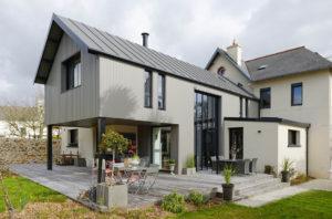 120 mètres carrés de bien-être (extension mixte bois/maçonnerie)