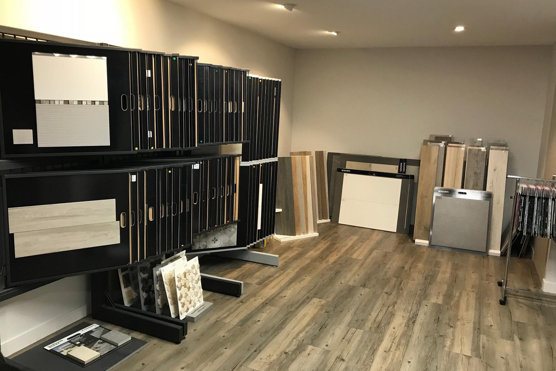 carrelage parquet comment bien choisir dans le show room trecobat. Black Bedroom Furniture Sets. Home Design Ideas