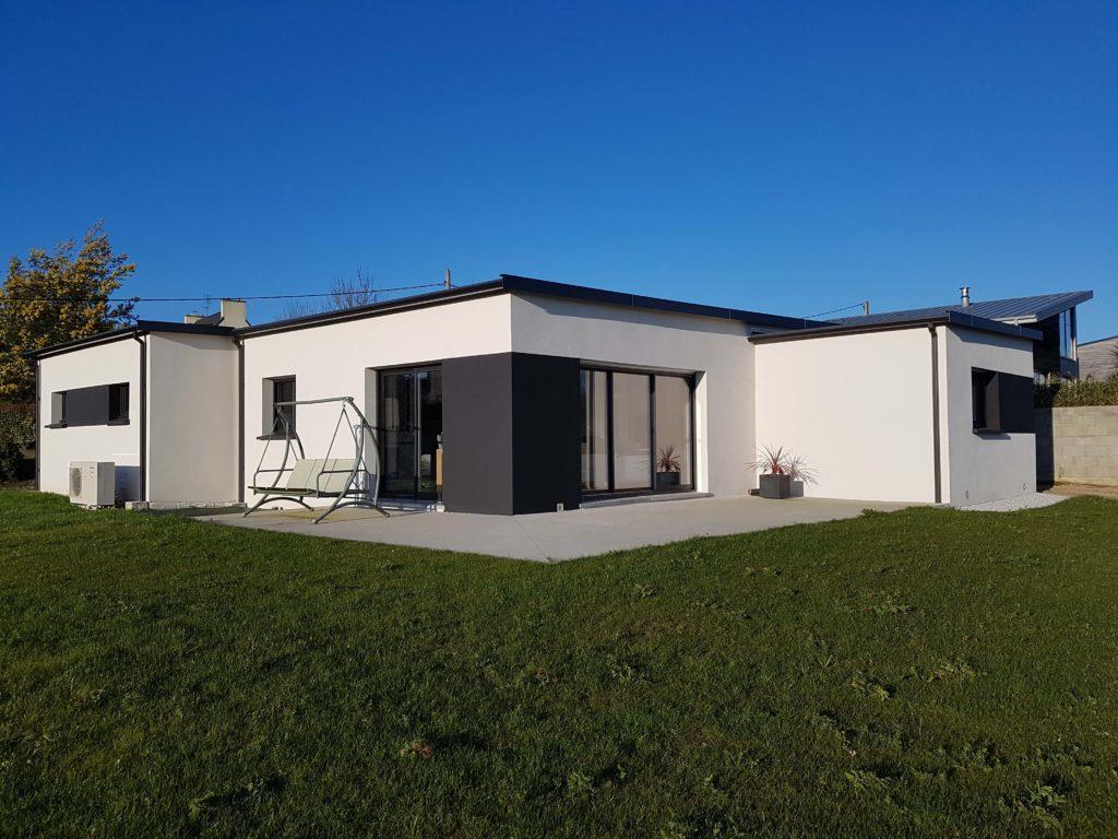 construction d 39 une maison de plain pied pr s de morlaix trecobat. Black Bedroom Furniture Sets. Home Design Ideas