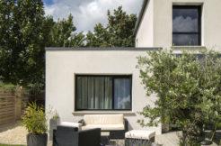 Un jardin et une terrasse qui invitent à savourer tout simplement
