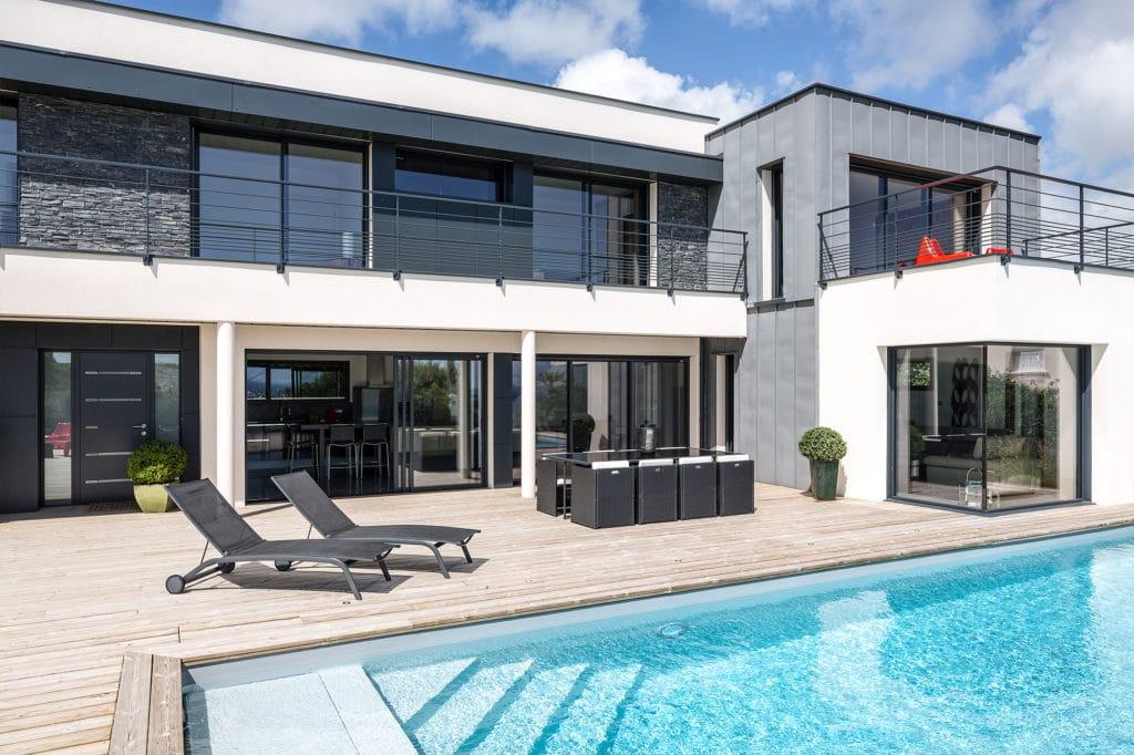 Maison personnalisée à étage avec piscine